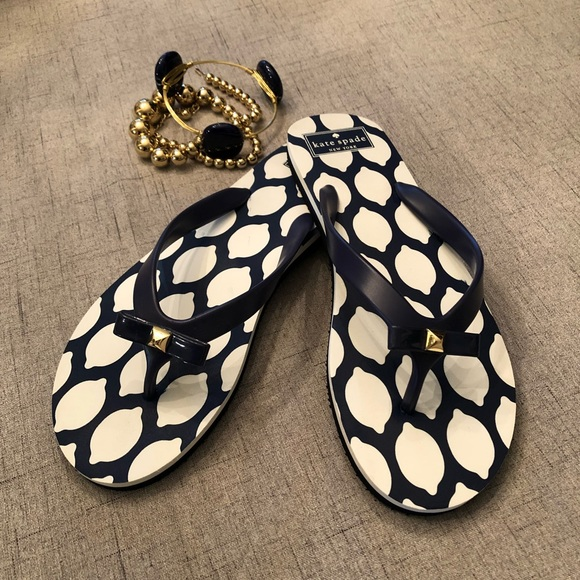 3e9cf7ebc Kate Spade Navy Blue   White Sandals Flip Flops